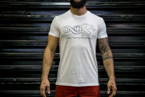 Le t-shirt ATP homme en blanc de face.